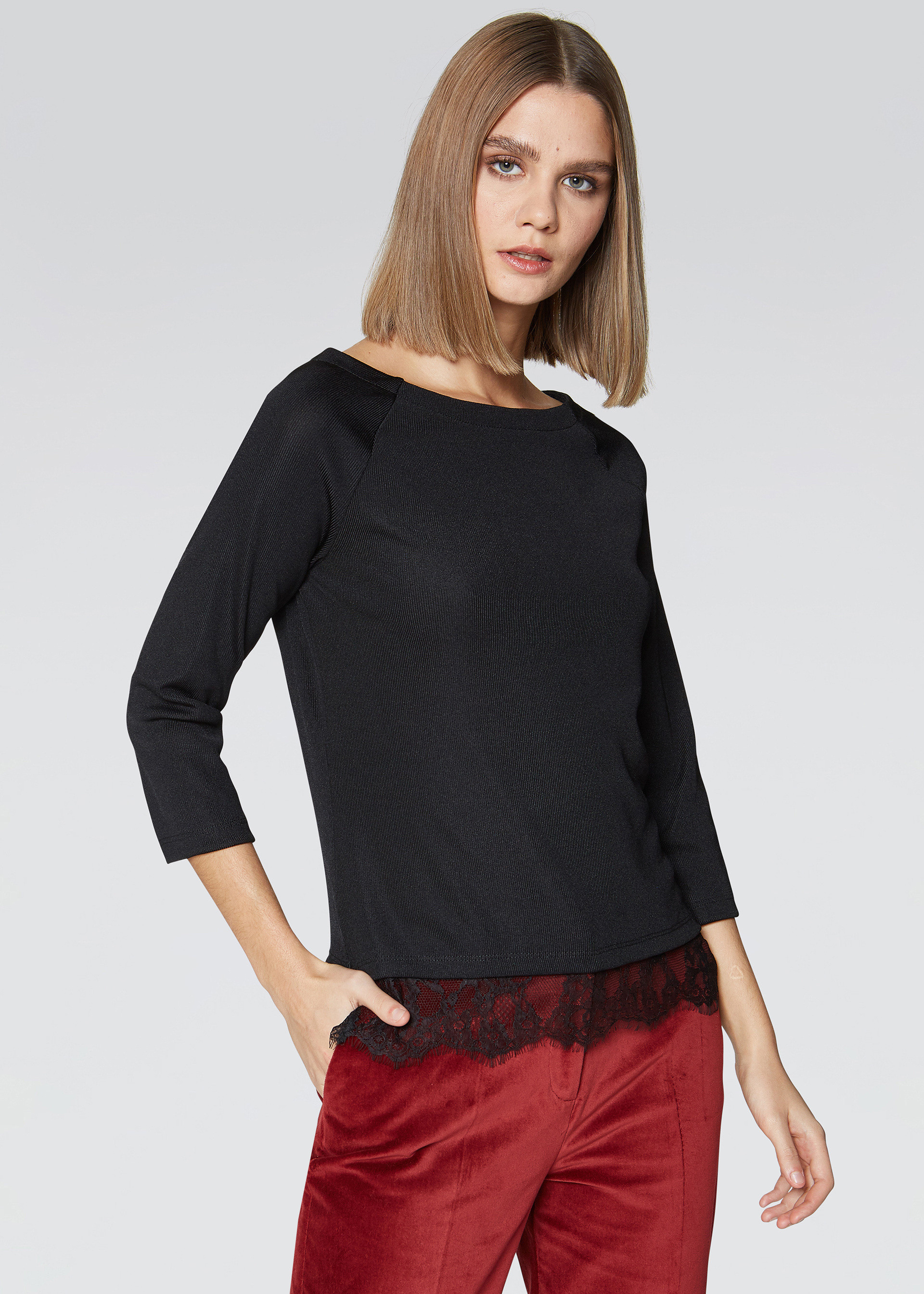 T-shirt bordo in pizzo